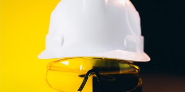 Professional Wear: garanzia di abbigliamento professionale di qualità e comodità.